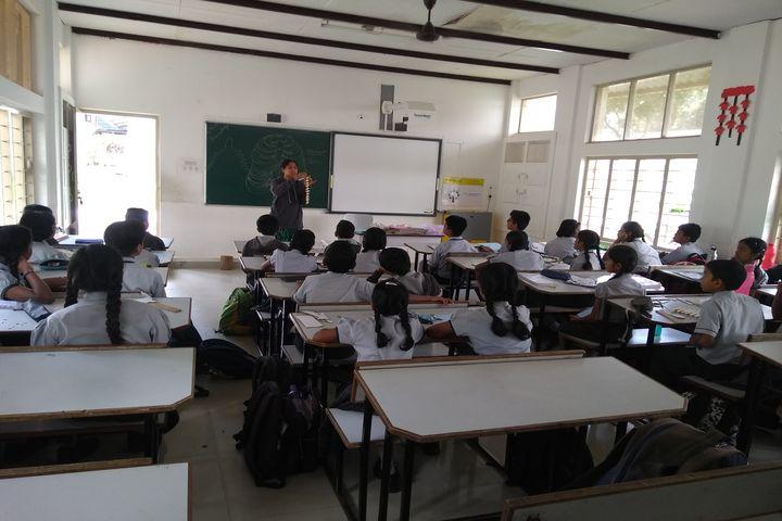 Manasarowar Pushkarini Vidyashrama-Classroom