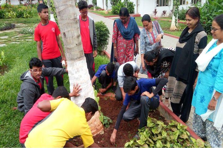 Manasarowar Pushkarini Vidyashrama-Plantation Day