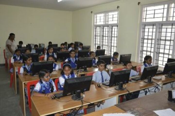 Mandara Jnanadayini School-Computer Lab