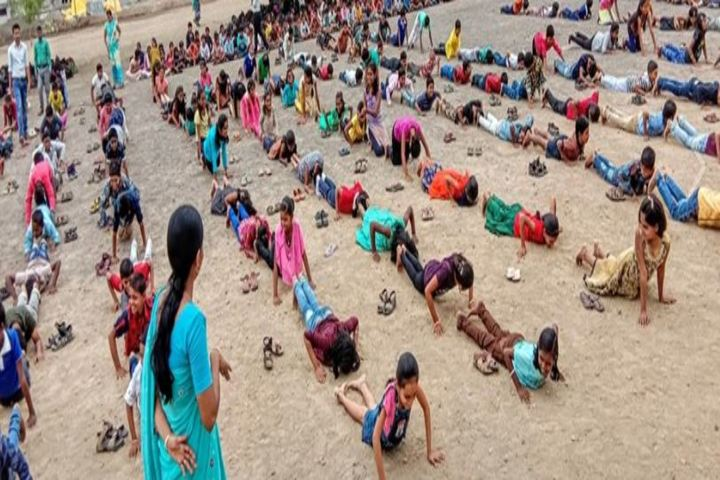 Mata Lakshmi Public School-Yoga