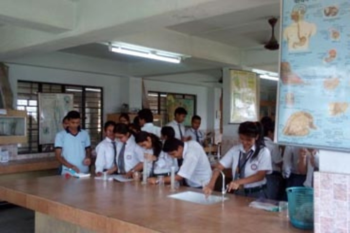 Gurukul Grammar School -Science Lab