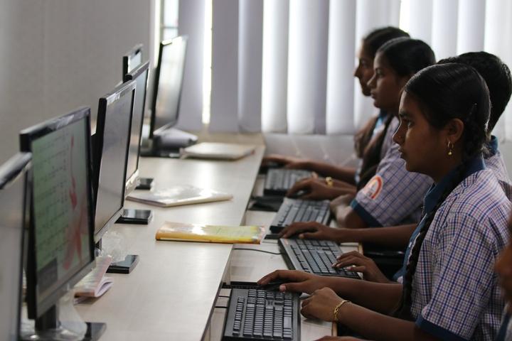 R M Shah Public School-Computer-Lab