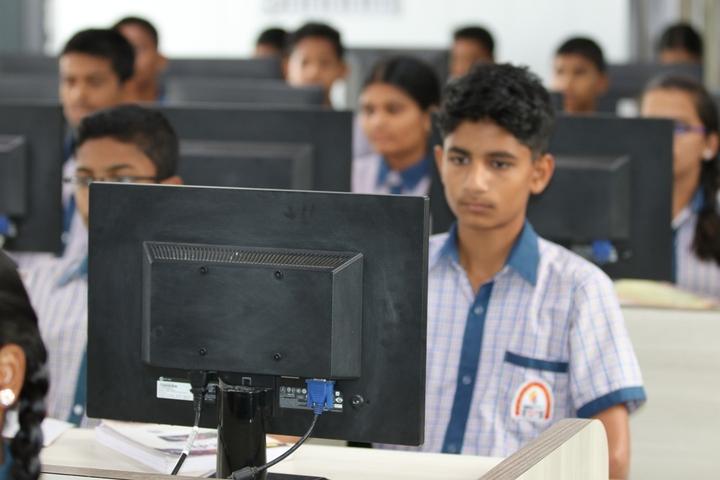 R M Shah Public School-IT-Lab