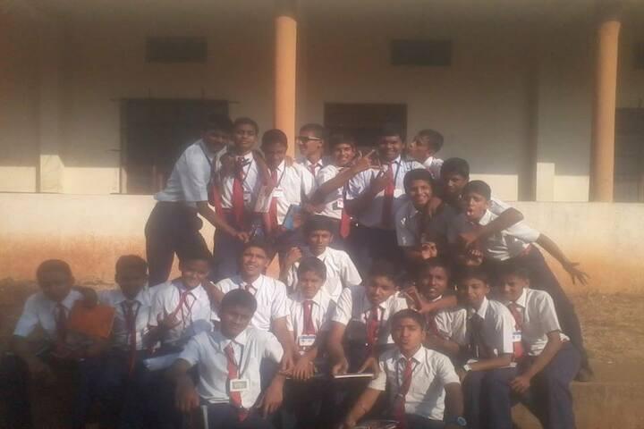 Sidagoudas Khatedar Patil English Medium School-Students