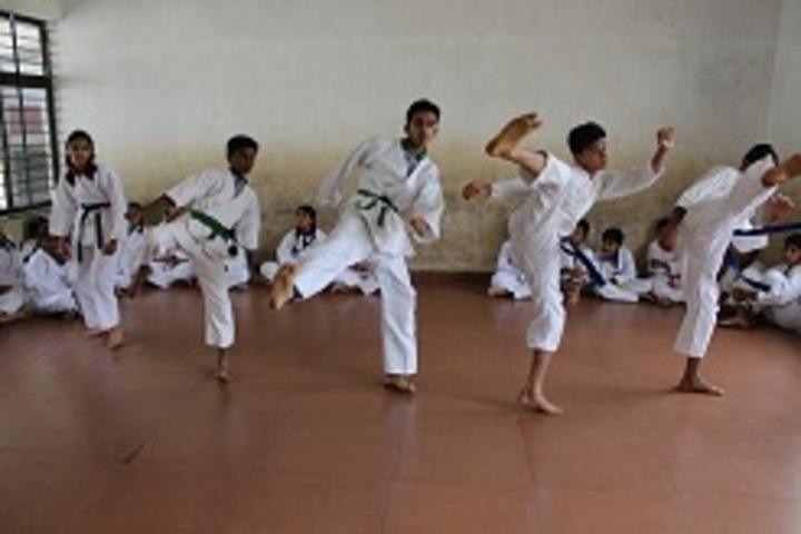 Sanskaar English Medium School-Karate