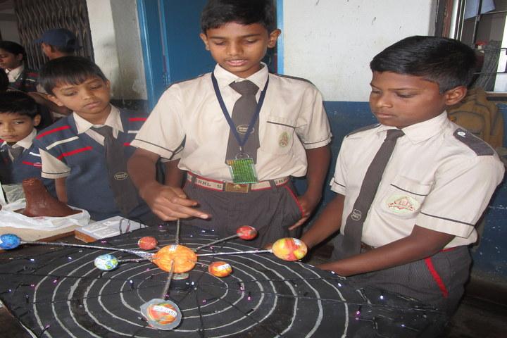 Shaikh Central School-Science Exhibition
