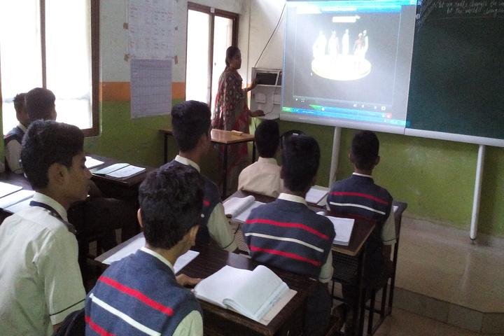 Shaikh Central School-Smart Class Room