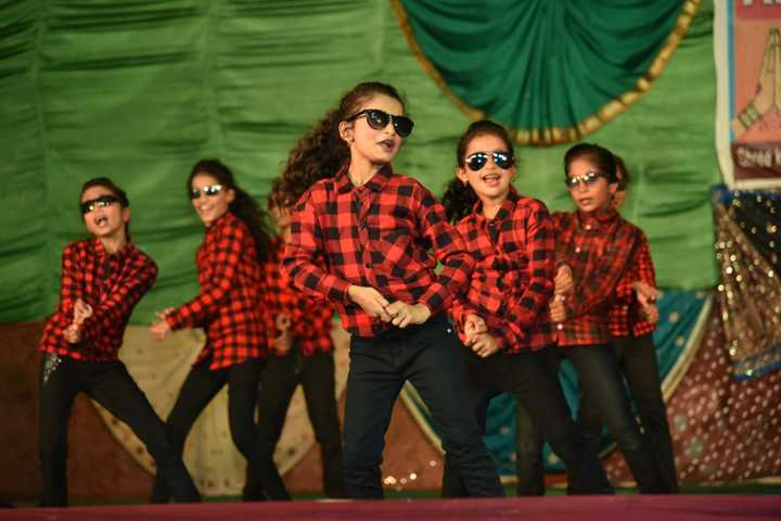 Shree Maruthi Residential School-Dance Performnace