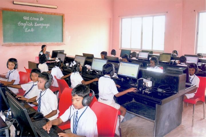 Shri Mahavir Residential English Medium School-Language-Lab