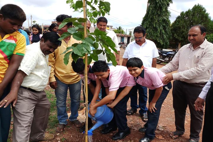 Smt Drakshayani Kalyanshettar Public School-Tree-Plantation