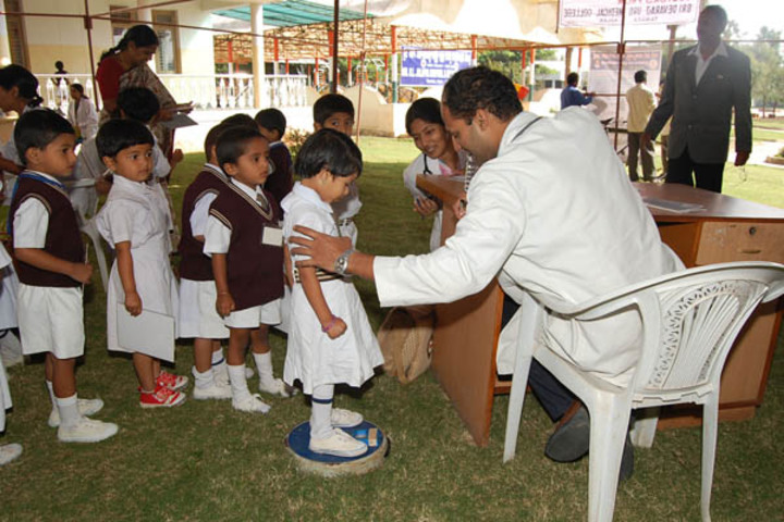Sri Devaraj Urs Internatonal Residential School-Health-Checkup