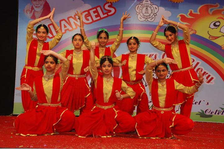 Sri Sai Angles School-Dance