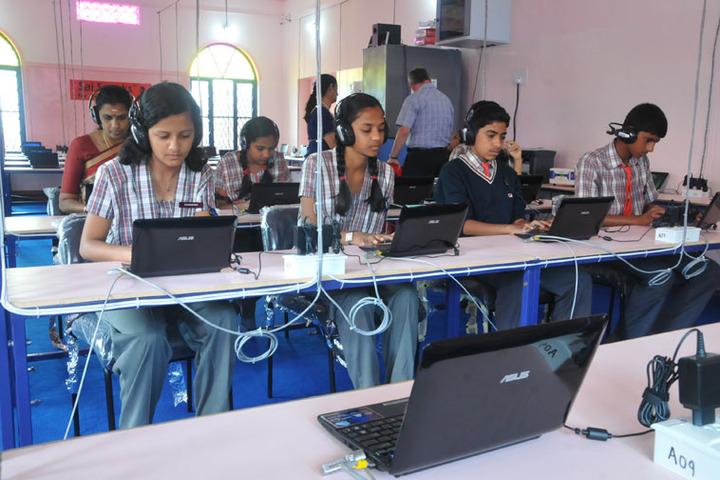 Sri Sai Angles School-English Lab