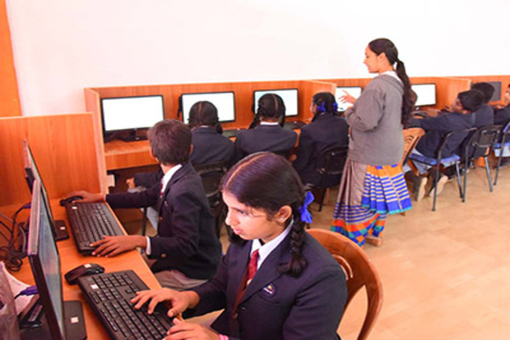 Supreme Public School-Computer Lab