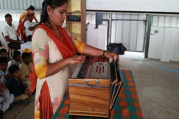 Surabhi Vidyaniketan-Music