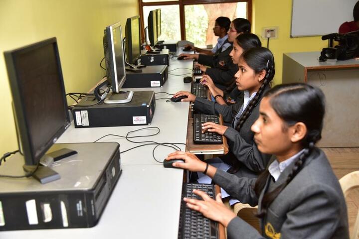 The Manik Public School-Computer Lab