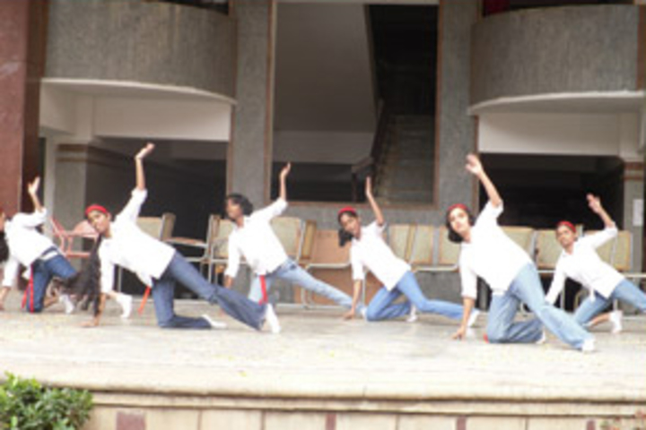 The Oxford Senior Secondary School-Dance Activity