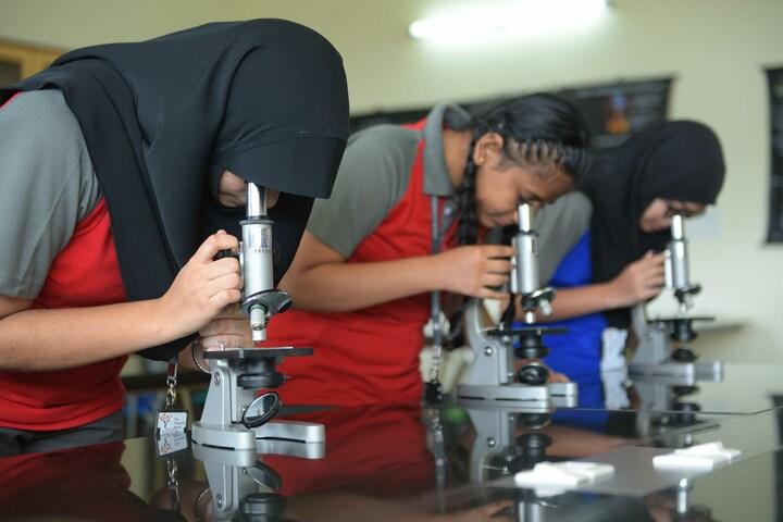 The Yenepoya School-Biology Lab