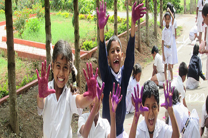 Viveka School Of Excellence-Holi Celebrations