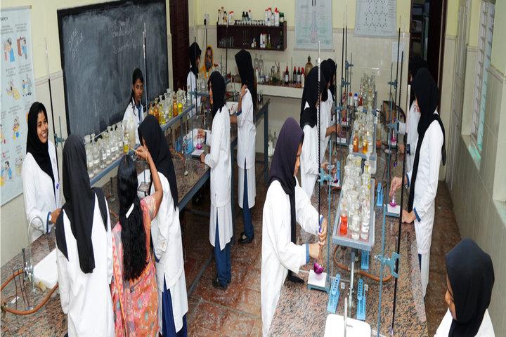 Al Ameen Public School-Laboratory