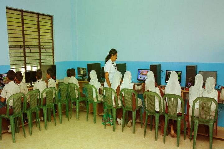 Amal English School-Computer Lab