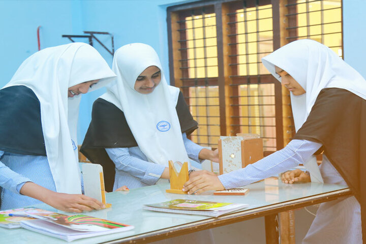 Amal English School-Science Lab