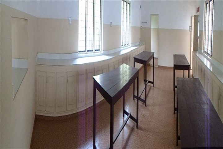 Amala Mary Rani Public School-Physics Lab