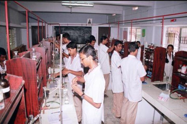 Amrita Vidyalayam-Chemistry Lab