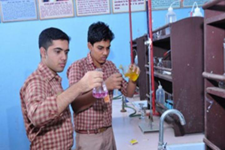 Amrita Vidyalayam-Science Lab