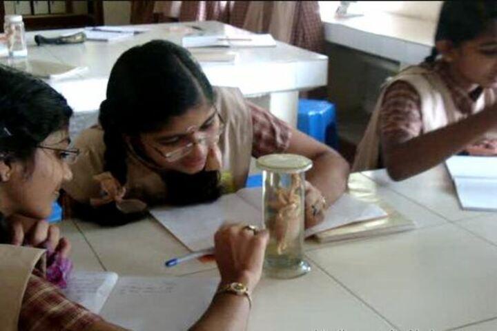 Amrita Vidyalayam-Biology Lab