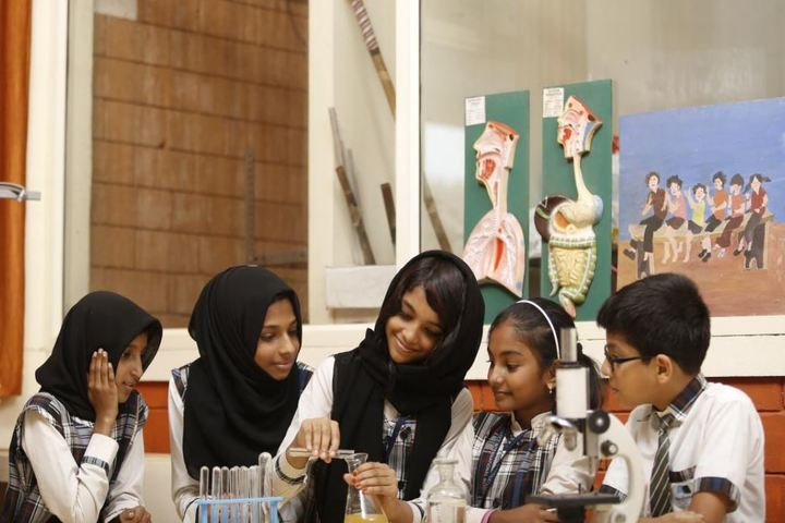 Benchmarks International School-Science Lab