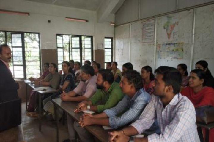 Bharatiya Vidya Bhavans School-Class Room