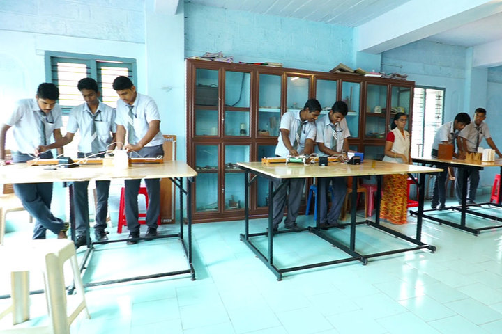 Cherupushpa Bethany School-Physics Lab
