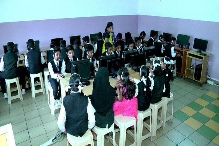 Cherupushpam English Medium School-Computer Lab