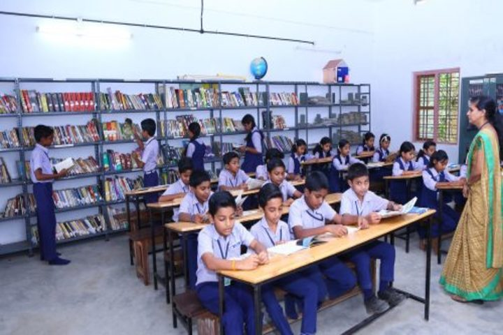 Christhuraja Public School-Library