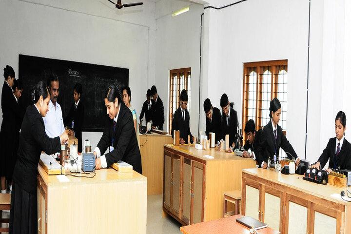 Christu Jyothi Public School-Chemstry Lab