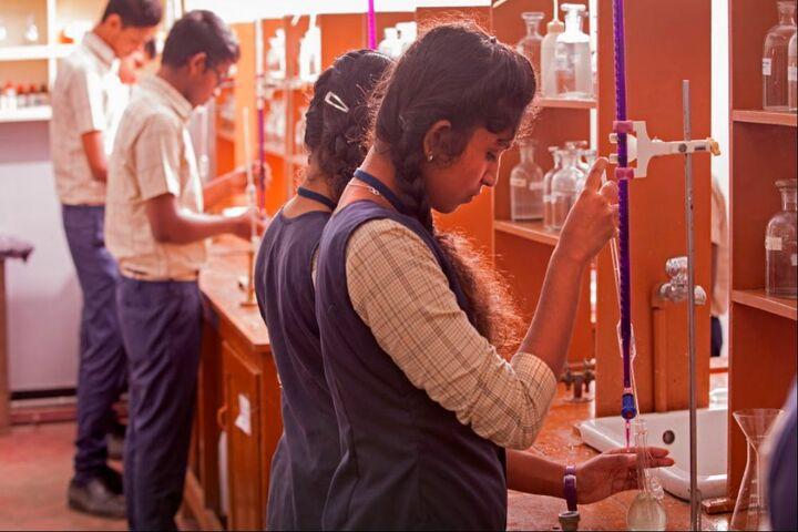 Crescent Public School-Chemistry Lab