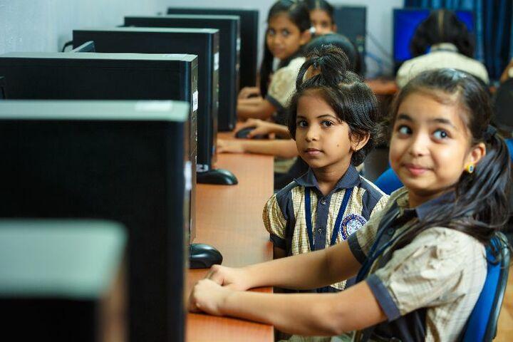 Crescent Public School-Computer Lab