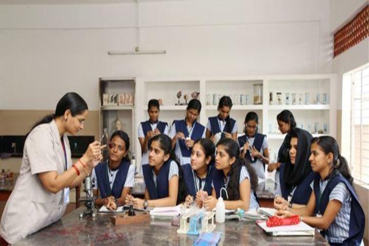 Crescent Public School-Science Lab