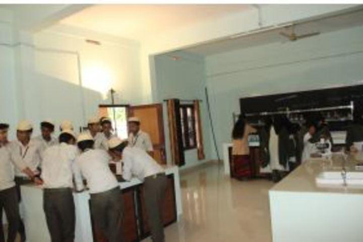 Darul Hudda Endlish Medium School-Chemistry Lab