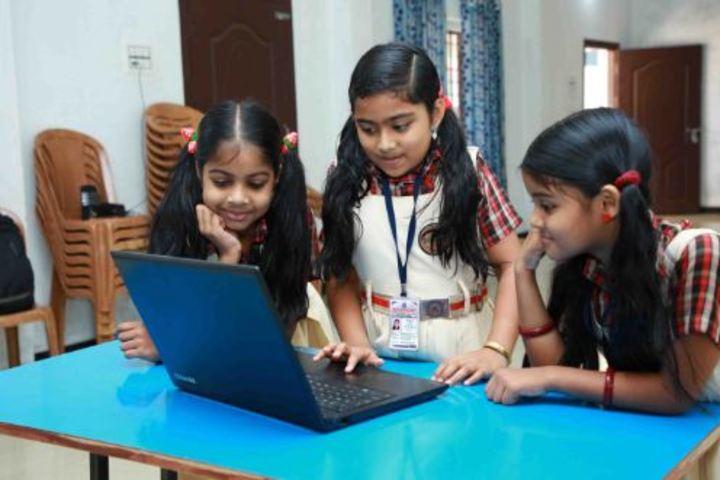 Darusalam English Medium School-Computer Lab