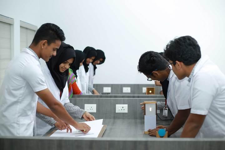 Dayapuram Residential School-Physics Lab