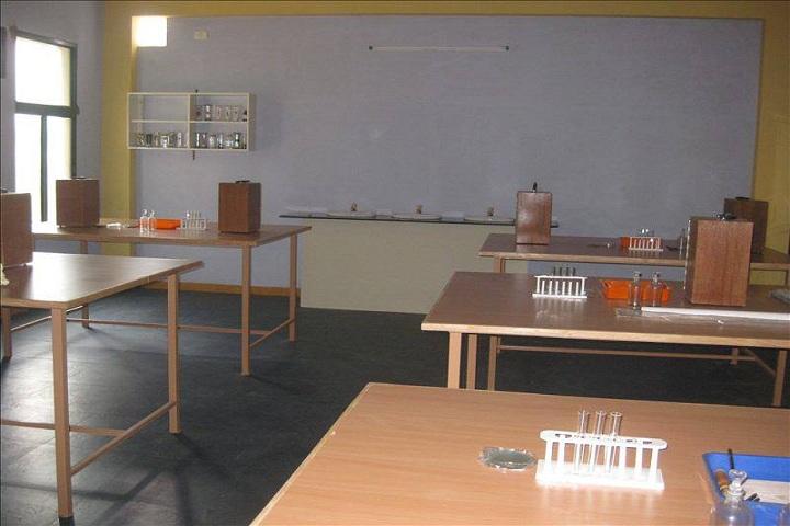 Eden Public School-Lab
