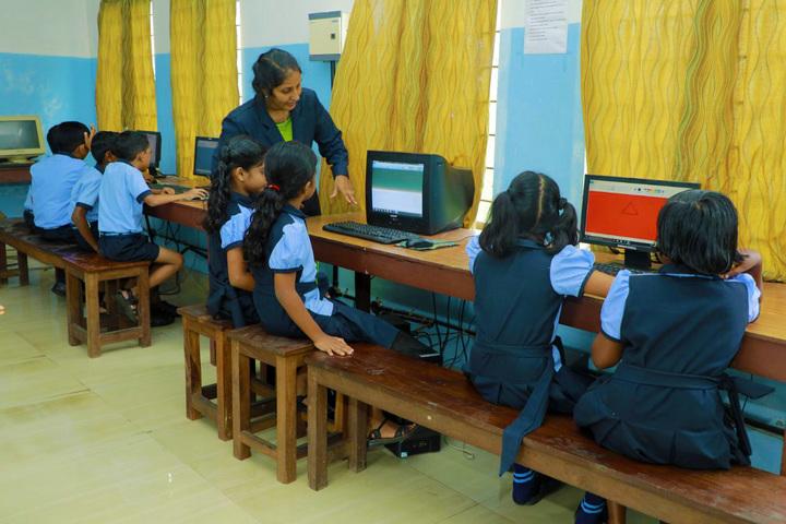 Hira Public School-Computer Lab