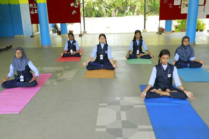 Hira Public School-Yoga