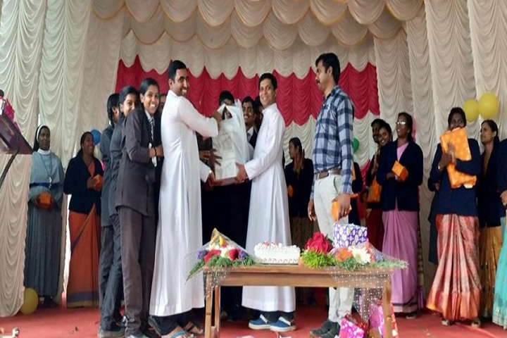 Holy Family Public School-Prize