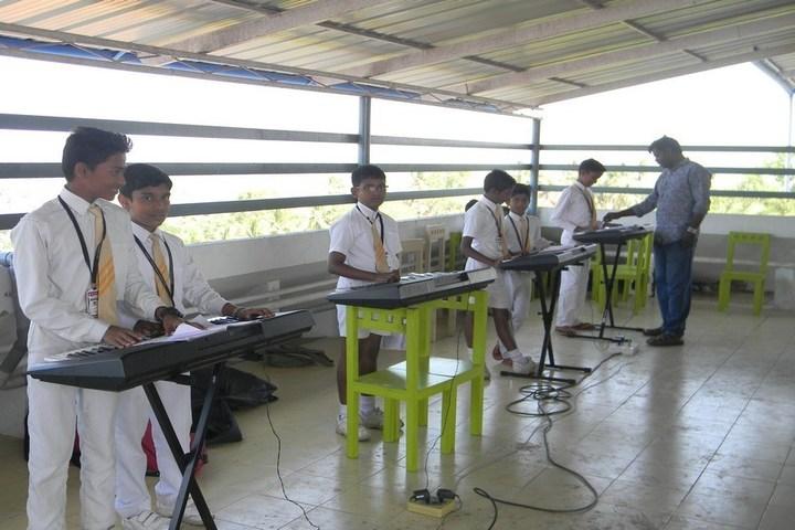 Holy Innocents Public School-Piano Class