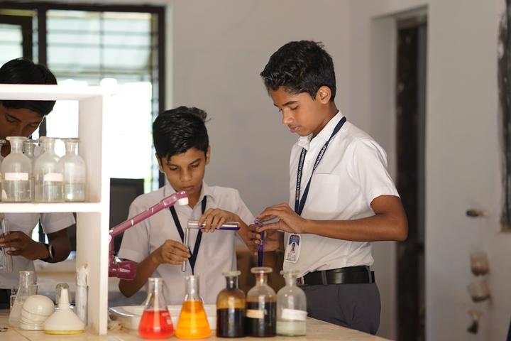 Islahiya Orphanage School-Chemistry Lab