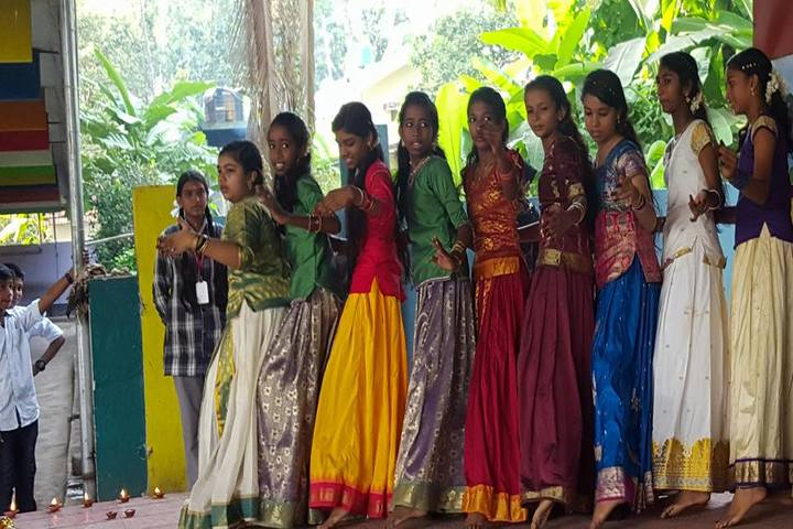 J and J English Medium School-Onam Celebrations