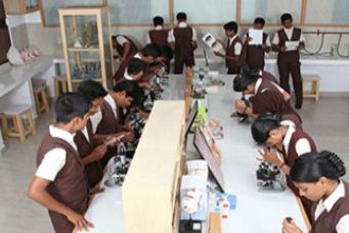Jyothi Nikethan English Medium School-Physics Lab